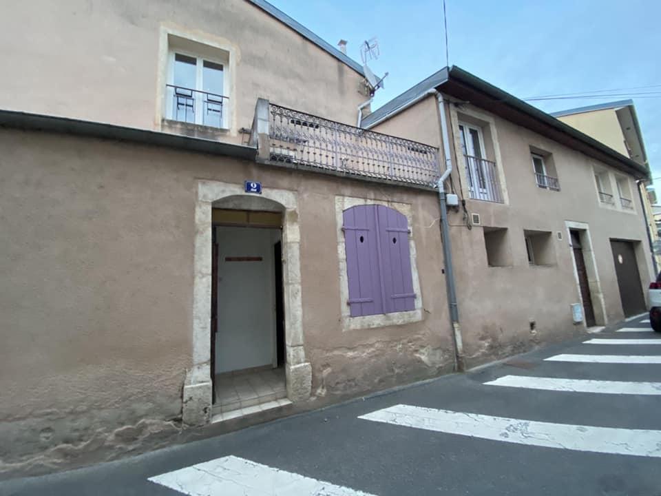ROSIERES AUX SALINES : A SAISIR !!! Immeuble de 4 appartements avec  1 garage et 1 terrasse