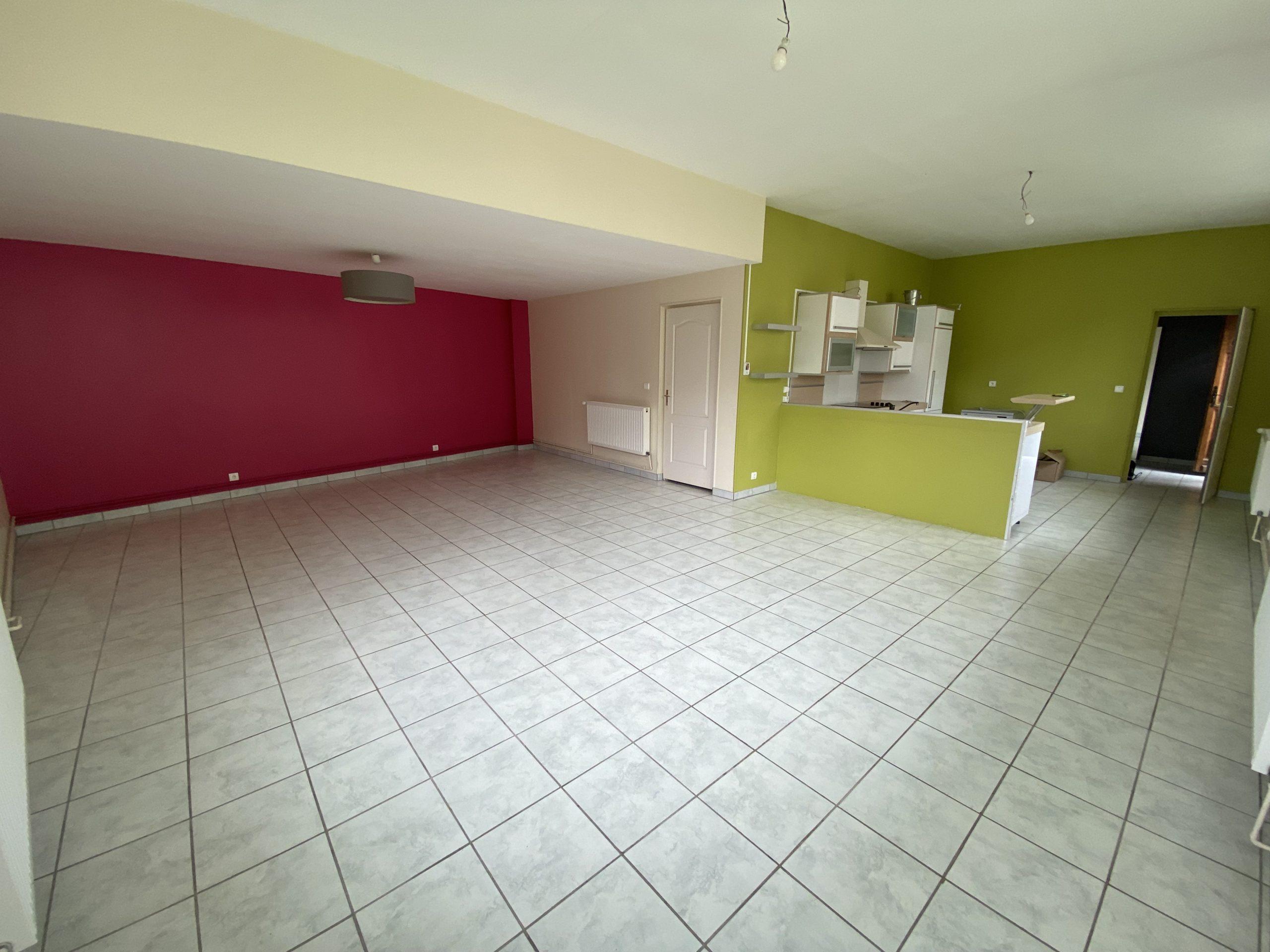 ROSIÈRES AUX SALINES : Maison de 180 m2 Hab. Environ sur 500 m2 de terrain